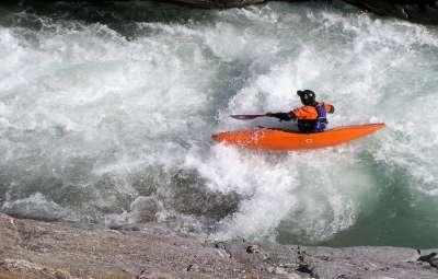 Rafting/Kayaking & Paragliding (tandem)